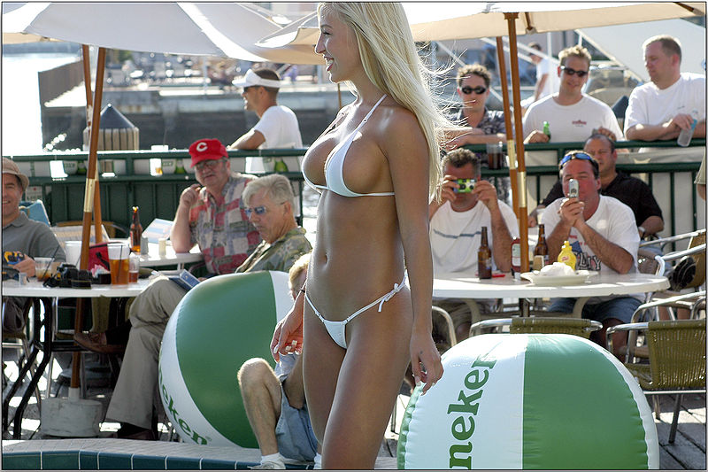 800px-White_Bikini